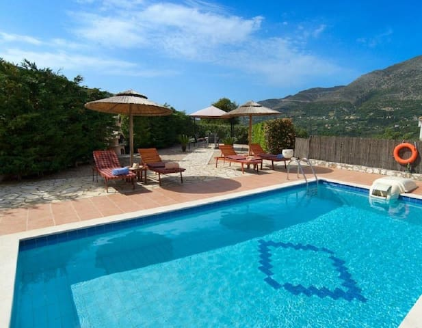 Spacious, luxuirious, quiet! Villa w.Private Pool