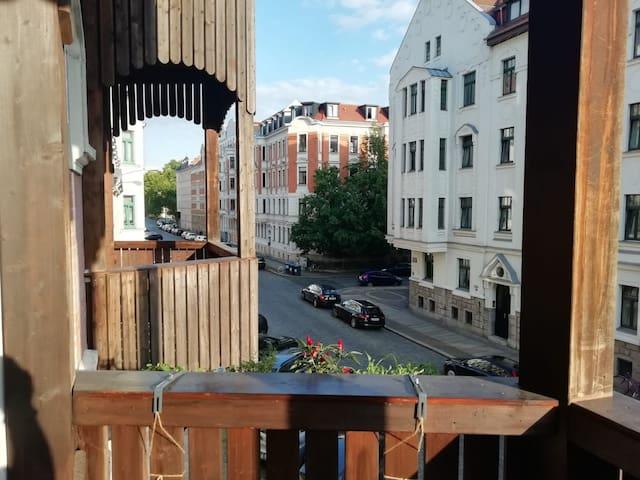 Gemütliches Zimmer mit Balkon nahe Zentrum