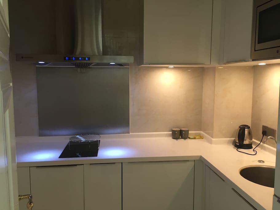 公寓套房内厨房