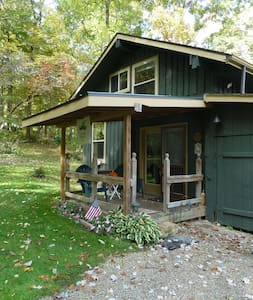 Cabin in the woods located near Mohican State Park - Butler