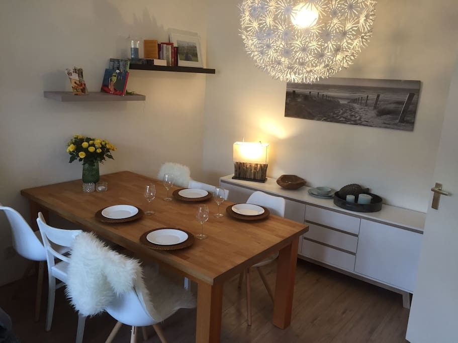 Living/Dining room with huge dining table for a maximum of 6 people