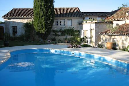 maison en pierre - Laugnac