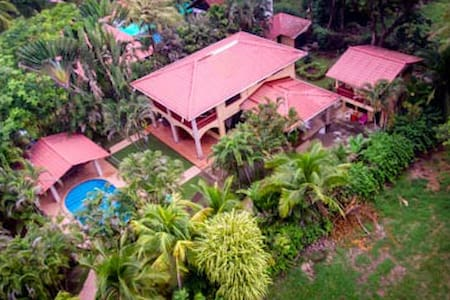 CASA DE ORO Oceanfront Home 5 bed rooms