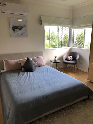 Private Room with ensuite - internet included