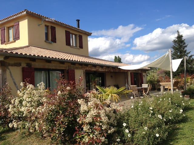 Maison atypique - Chambre calme Dordogne - Maurens