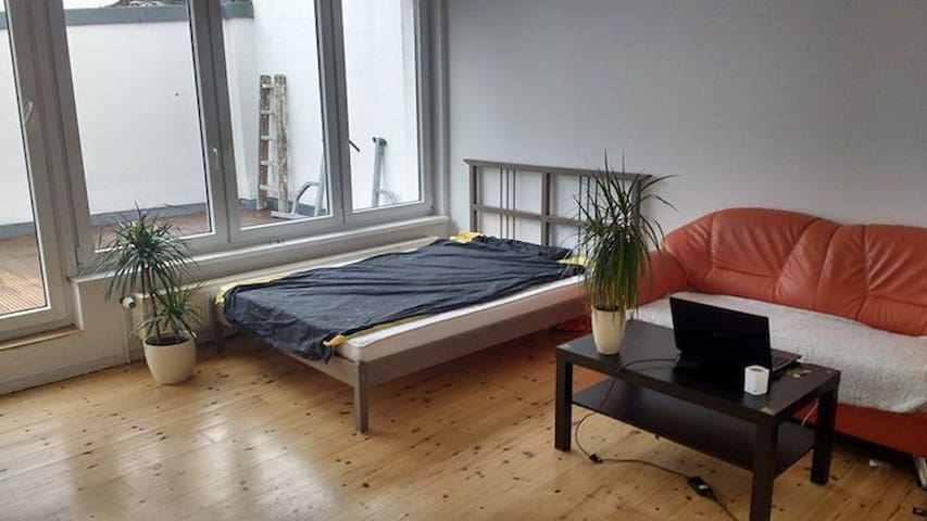 Bright and Spacious Room in the Center of the City - Berlin - Flat