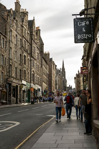 Stay In The Heart Of The Royal Mile & Old Town