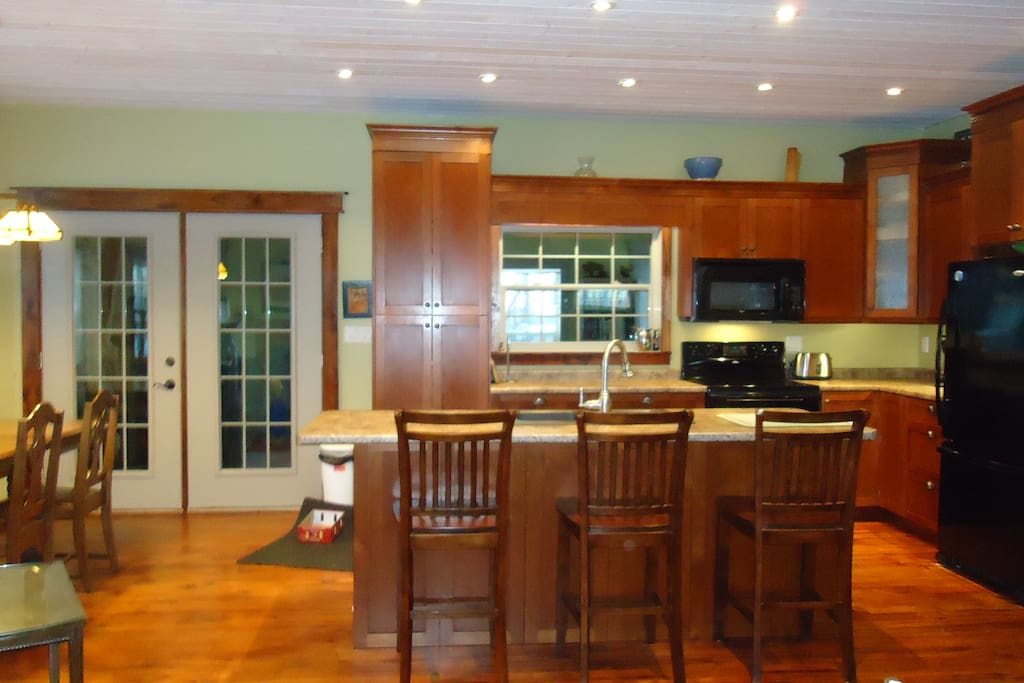 Kitchen/Dining Area French Doors to Family Room