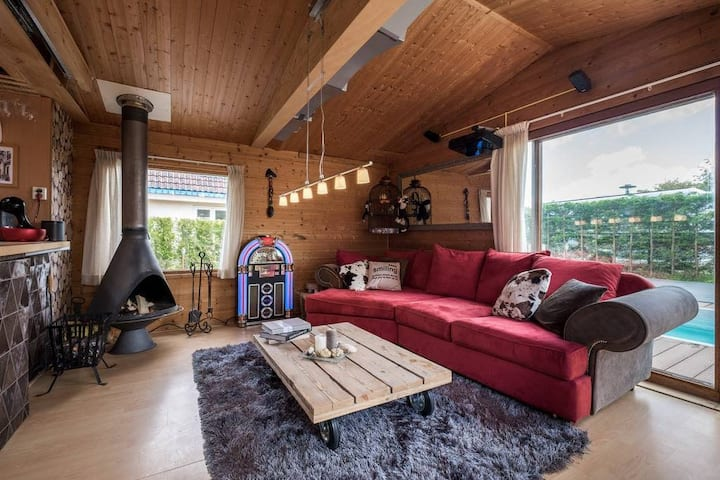 Noordwijk Bungalow, spacious bungalow for 4 persons