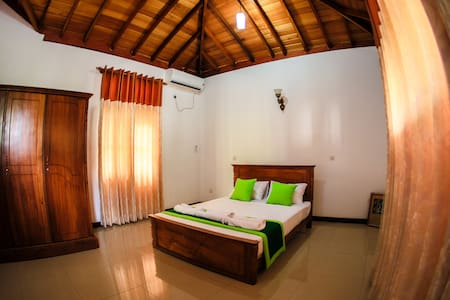 Private room only - Minuwangoda