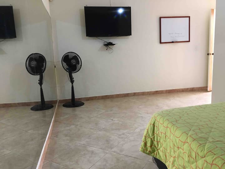Laureles Big Room with private Office Space