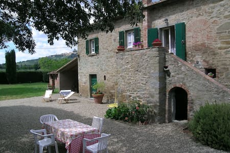 The farmhouse of Leda - Cortona - Haus