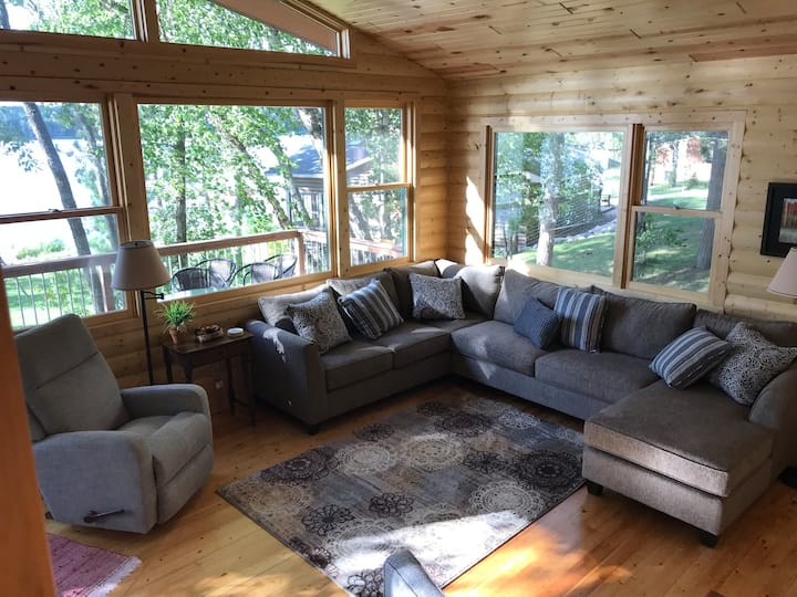 Pine Hollow Hideaway, A  Stunning Lake Side Cabin