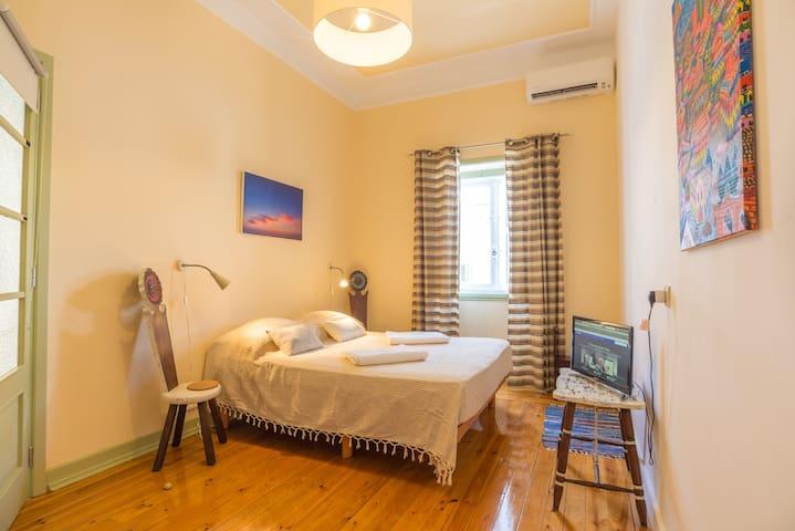 Downtown-Heater/Priv. Bathroom/ Terrace/TVNetflix