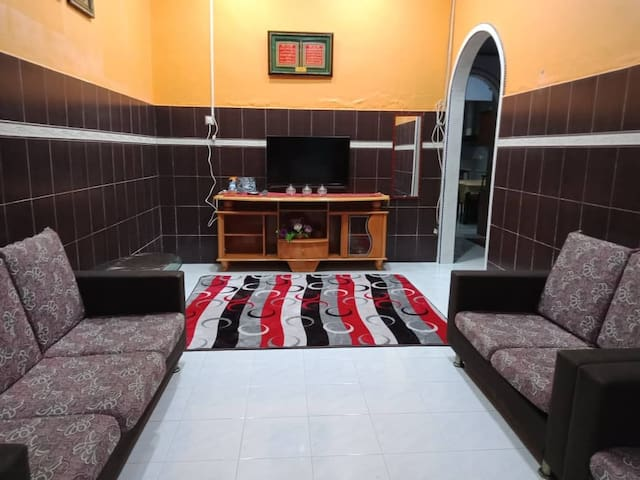 HOMESTAY PERMAI Stay with us! Feel at home!