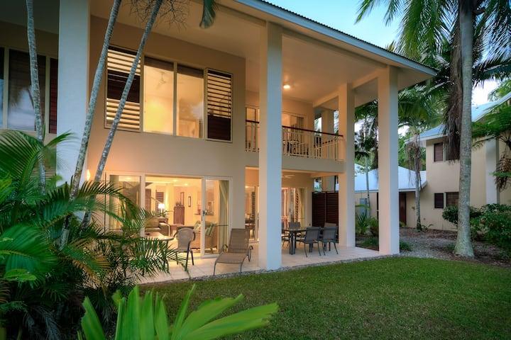 Tropical Villa Port Douglas
