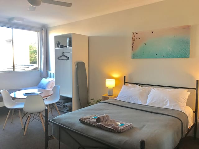 2 Person Studio Room at Manly Beachside Apartments