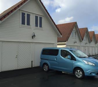 Sunde Naust Rorbu - Boathouse - Kvinnherad