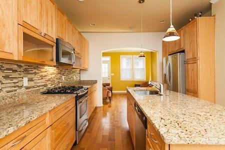 Renovated 2 story 2bdr Row home - Baltimore