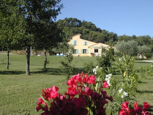 Chambres privées avec piscine dans les Baronnies - Piégon - Casa