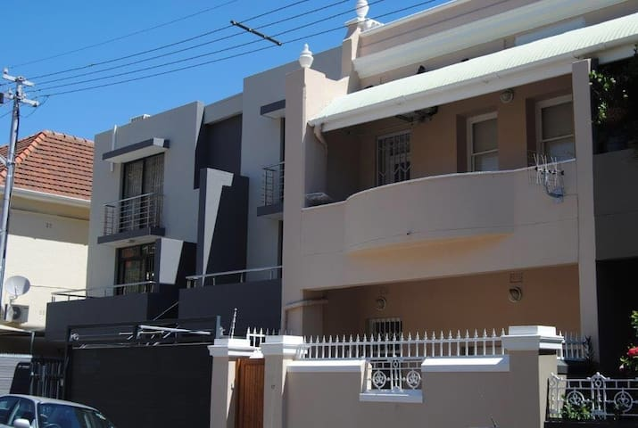 Sea Point - 1 Bedroom with Bathroom