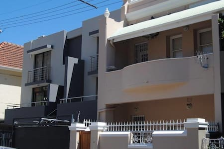 Sea Point Bedroom available with private bathroom - Cape Town