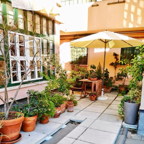 room with private bathroom + breakfast in terrace