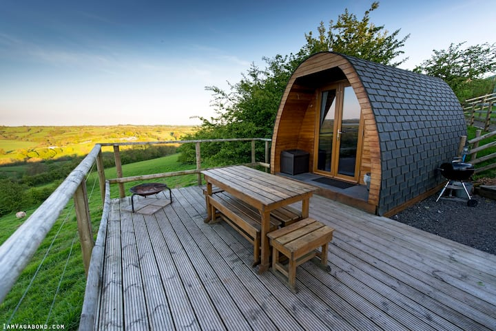 Bluebell Glamping Pod, secluded farm Peak District