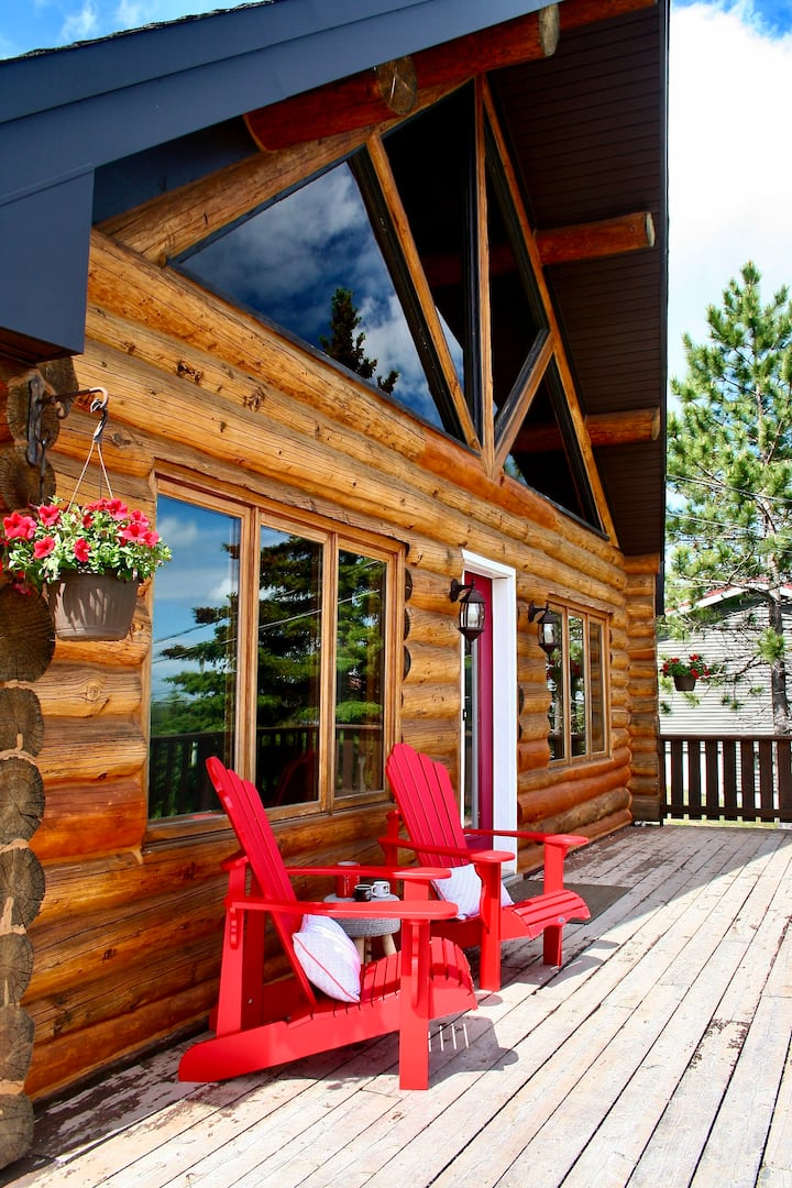 Experience the Canadian Log Cabin in beautiful NB!