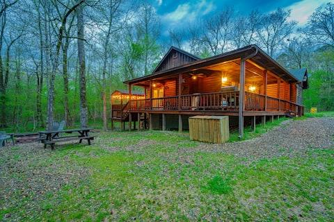 ✪ Blue Ridge Cabin ✪ Hot Tub, Fire Place, Sleeps 6