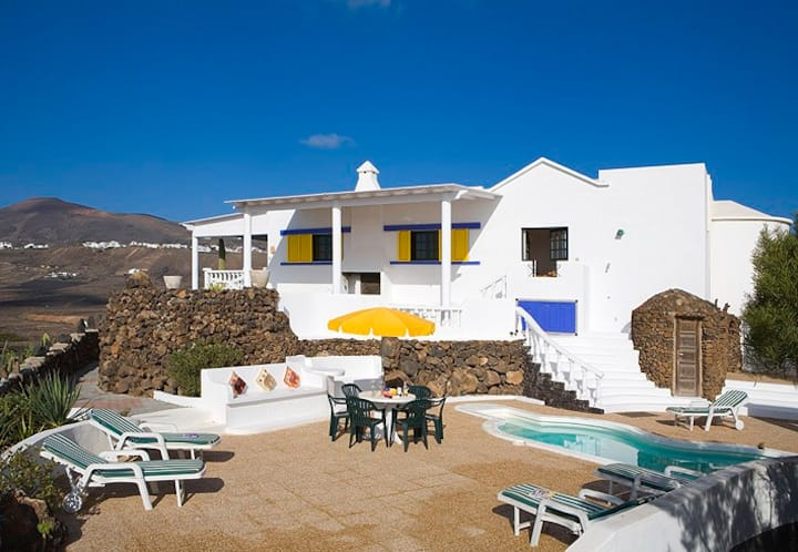 Fabulous Private Holiday Villa. Macher Lanzarote.