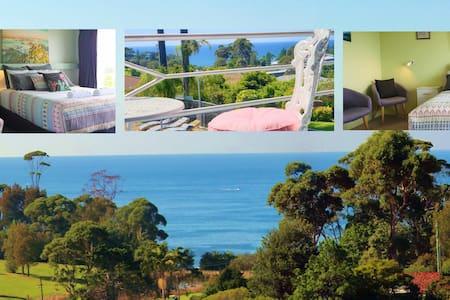 Mollymook Ocean View Motel Queen Suite