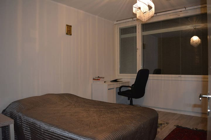 Nice comfy and cozy room for Your stay in Berlin