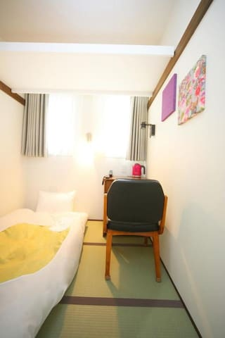 【Single A type】 Mid point between Shibuya station and Harajuku station Popular area (with breakfast)