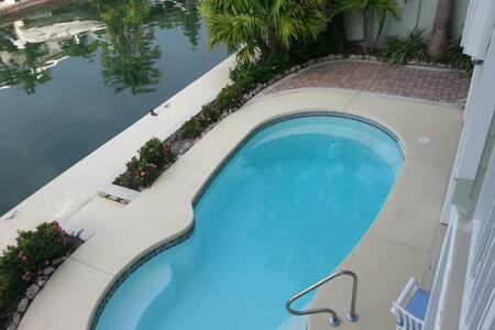 Keys Pool Home, minutes from Key West