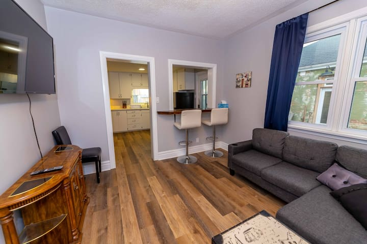 Cozy Two Bedroom in Downtown London