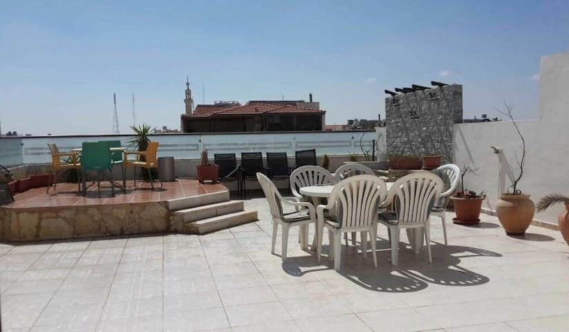 Furnished apartment with roof 375m2 - Amman - Flat
