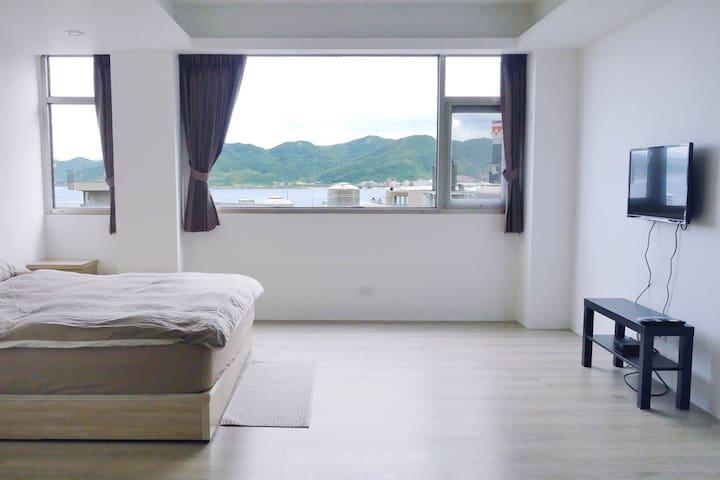 +UMI 小海旅+ 看海雙人套房B 全新裝潢 鄰近龜吼漁港、翡翠灣、野柳風景區