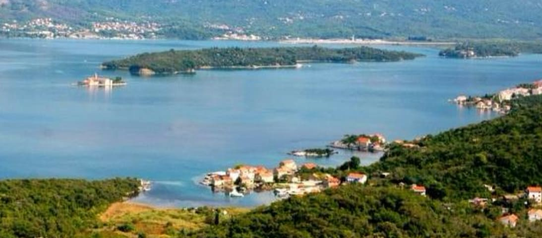 No. 1 apartments Bjelila with two bedrooms - Tivat - Maison