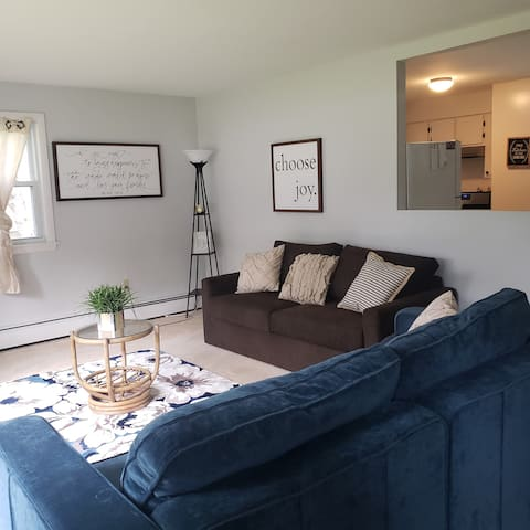 Family-friendly retreat/Ellsworth/30 min to Acadia