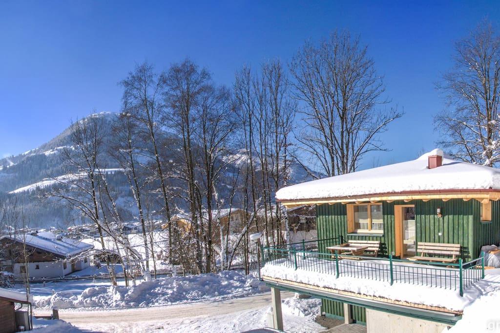 Green home sunny chalet with big terrace huizen te for Chalet te koop oostenrijk tirol