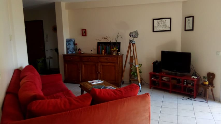 Flat 71m² lumbin with terrace and garden - Lumbin - Apartamento