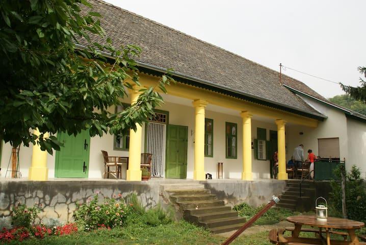 Gasterij Huis en Haard Hongarije, Mórágy - Mórágy - Inap sarapan