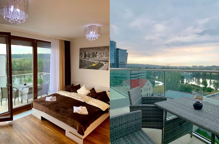New Luxury Flat with cool view from Balcony AIRCON