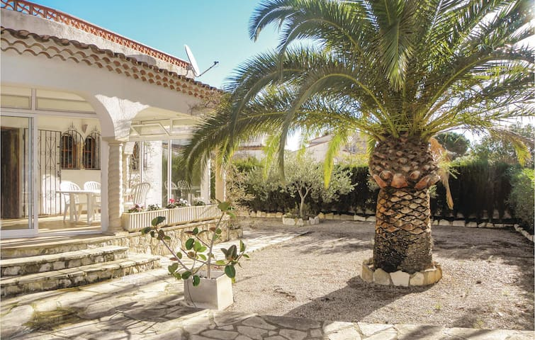 Holiday cottage with 3 bedrooms on 190m² in L'Ametlla de Mar