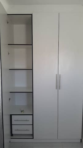 Bedroom inbuilt drawers