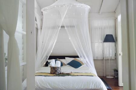 บ้านพระจันทร์  honeymoon villa
