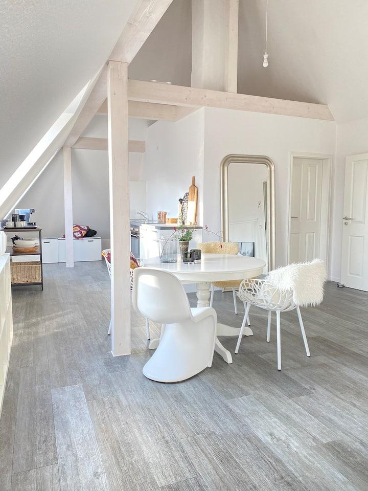 80 m² Sparrenloft mitten in Bielefeld