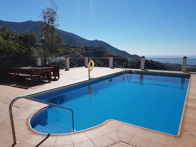 Beautiful Mijas Pueblo AirBNB with swimming pool