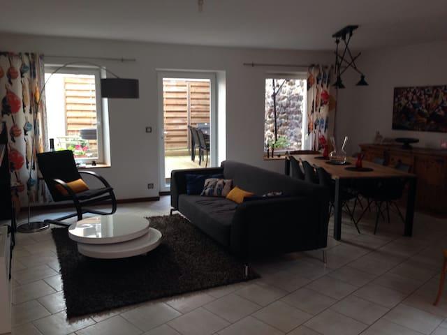Maison de ville,terrasse et garage - Le Puy-en-Velay - Casa
